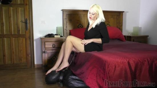 FemmeFataleFilms - Divine Mistress Heather - Foot Service - Super Hd - Complete Film (FullHD/1080p/680 MB)