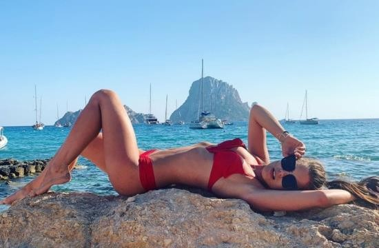 LittleCaprice-Dreams - Little Caprice - POV DREAMS – PUBLIC IBIZA SEX (FullHD/1080p/680 MB)