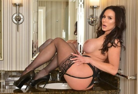 NaughtyAmerica - Kendra Lust - Porn star Kendra Lust Fucks you till you cum in VR (HD/900p/1.77 GB)