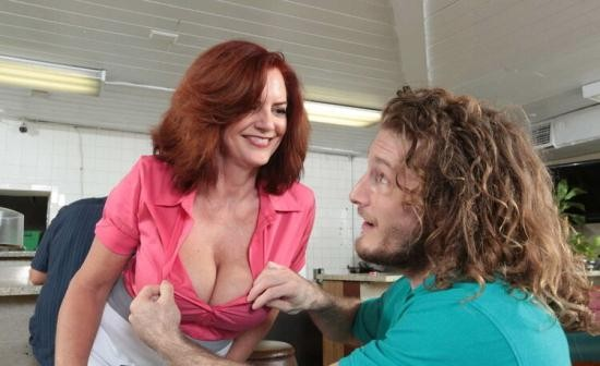 MilfHunter/RealityKings - Andy James - A Big Tip For Andy (FullHD/1080p/2.65 GB)