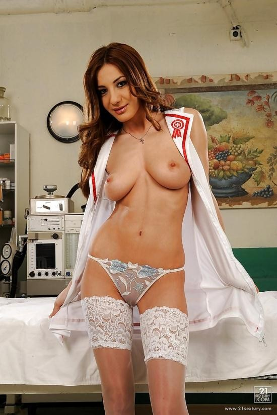 PixAndVideo/21Sextury - Alice Romain - Medical care (HD/720p/827 MB)