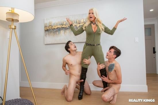 LilHumpers/RealityKings - Brittany Andrews - Humpers Infestation (FullHD/1080p/1.14 GB)