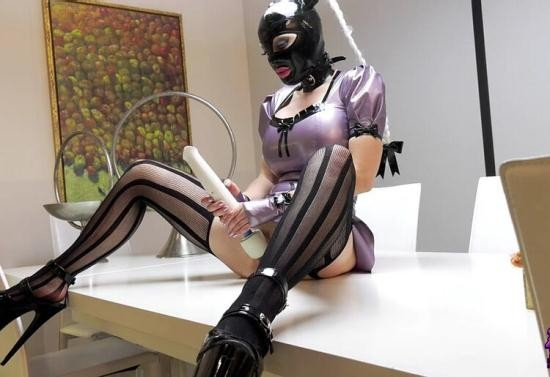 Rubber-Passion - Latex Lucy - Rubber Kitchen Maid Pt2 (HD/720p/257 MB)