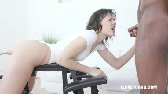 LegalPorno - Sandra Zee, - Obedient pissing for Sandra Zee IV493 (HD/720p/1.67 GB)