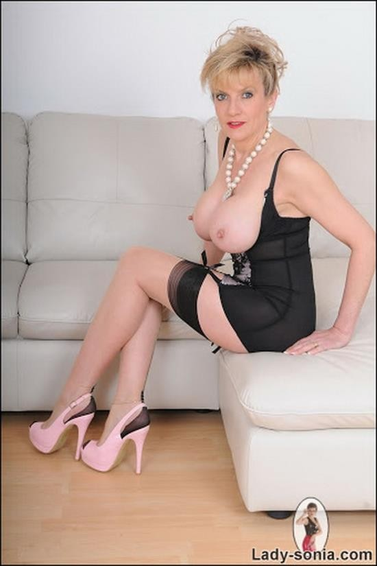 Lady-Sonia - Lady-Sonia - Shaft Comes To Play While My Husband Is Out (HD/720p/1.61 GB)