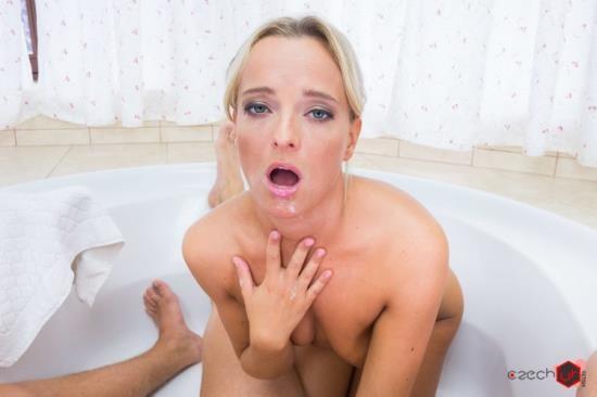 CzechVRFetish/CzechVR - Emma Button - Pissing and Fucking With Emma (UltraHD 2K/1440p/3.72 GB)
