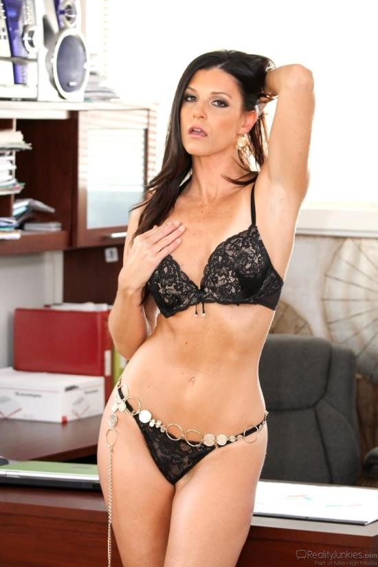 PinkoClub - India Summer - Bigger is better (FullHD/1080p/919 MB)