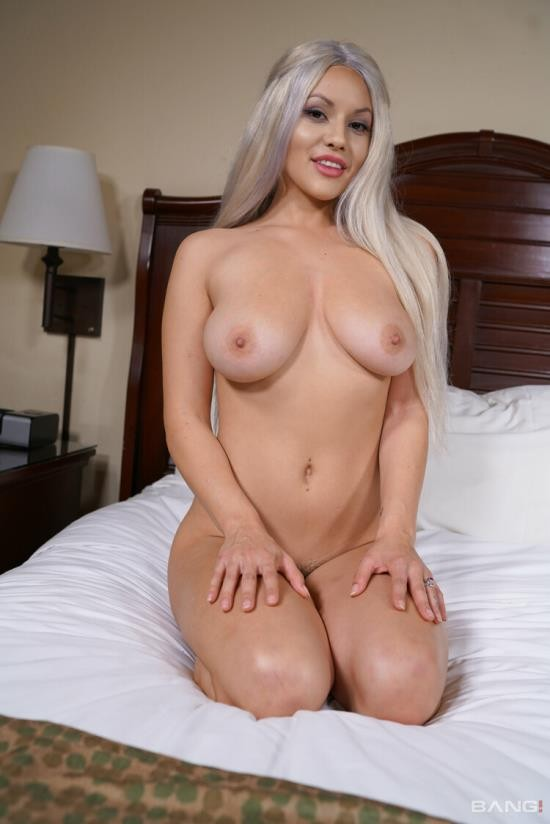 Bang! Real Teens/Bang - Kylie Page - Kylie Page Is A Bad Girl Who Loves To Suck Cock In Public! (FullHD/1080p/1.84 GB)
