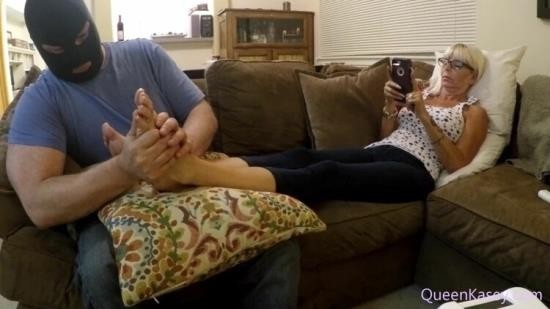 QueenKasey - Queen Kasey - Slave Funded Shopping Trip Ends In Spiked Chastity (FullHD/1080p/1.62 GB)