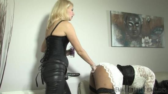Femmefatalefilms - Mistress Akella - Pegging Sue - Complete Film (HD/720p/430 MB)