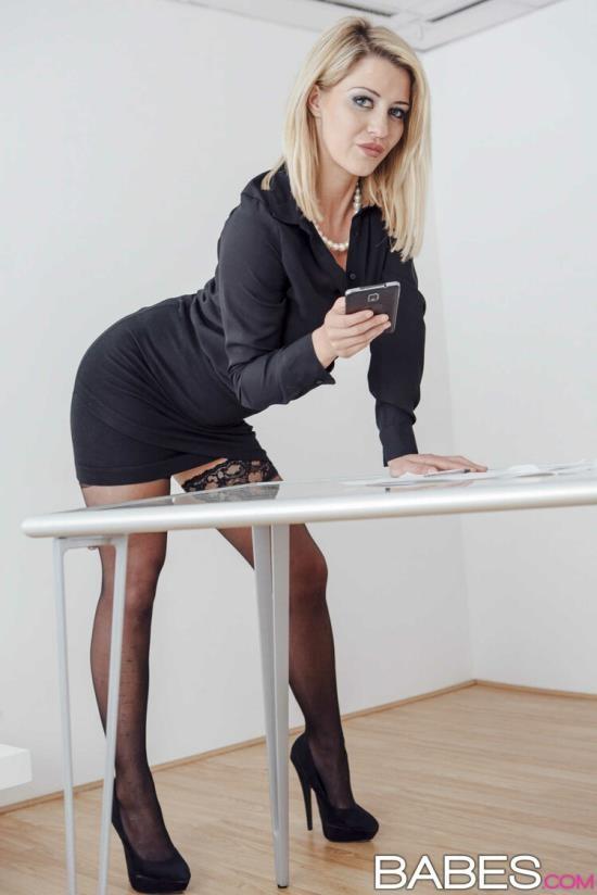 OfficeObsession/Babes - Sienna Day - Return to Sender (FullHD/1080p/1.40 GB)