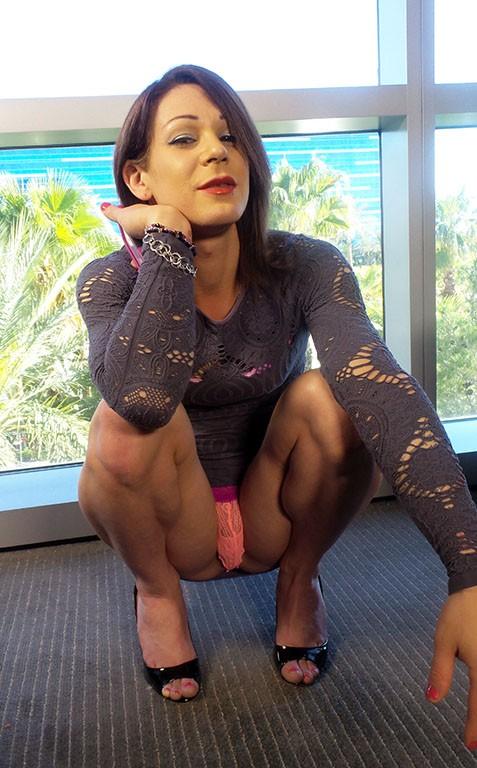 KinkyExploits - Dona Abelar, Christian - Muscle booty Dona Abelar gets barebacked in Vegas (FullHD/1080p/649 MB)