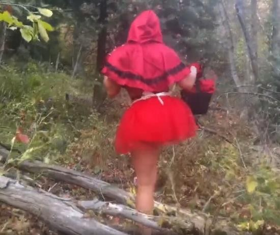 Pornhub - yinyleon - Innocent Girl with a Red Riding Hood Gets an Abusive Fuck by a Horny Wolf (HD/720p/205 MB)