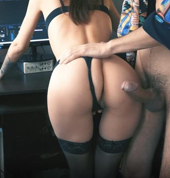 Pornhub - MilaGrace - Caught her behind the Mounting Video and Fucked a Big Dick her Tight Pussy (FullHD/1080p/204 MB)