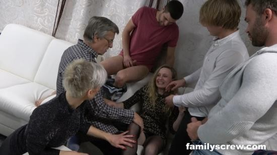 FamilyScrew - Unknown - Cumming Together As A Family At A Swingers Club (FullHD/1080p/2.44 GB)