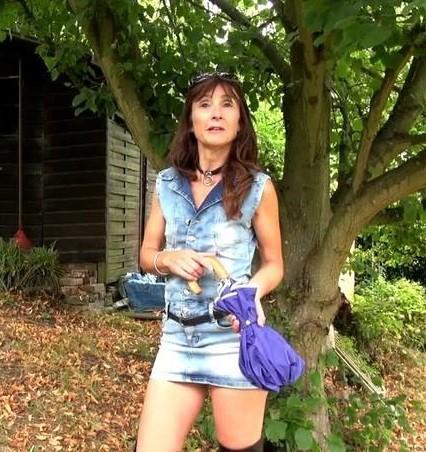 JacquieEtMichelTV.net/Indecentes-Voisines.com - Lily - A Vernon (27), avec Lily, 45ans! (FullHD/1080p/2.07 GB)