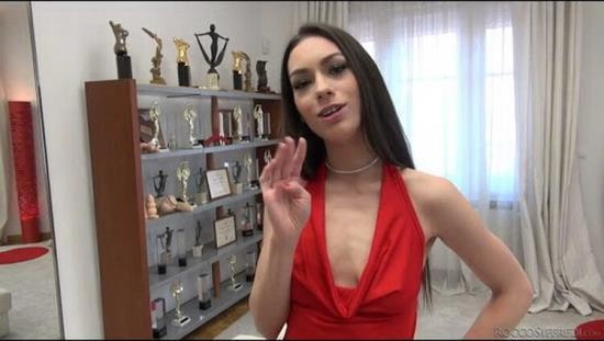 RoccoSiffredi - Arwen Gold - Roccos Intimate Castings 9 (HD/720p/1.65 GB)