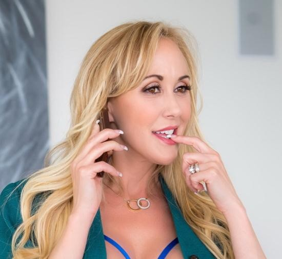 VRBangers - Brandi Love - 1-800-BANG-ME (UltraHD/2K/1920p/6.87 GB)