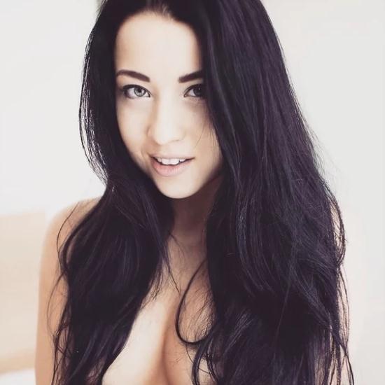 Youngsexparties.com - Taya aka Taissia Shanti - Massage and Golden Gate Fuck (HD/720p/390 MB)