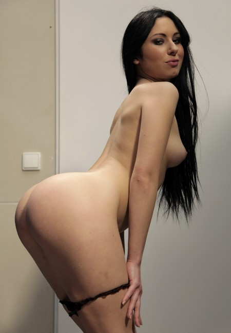 CastingAllaItaliana/PornDoePremium - Luna Oara - Voluptuous Italian beauty Luna Oara gets ass fucked by Omar Galanti (FullHD/1080p/2.92 GB)