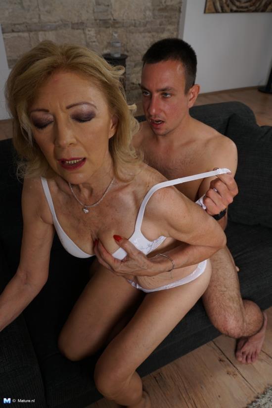 Love-Moms/Mature.nl - Eleanor (61) - mat-alex255 (HD/720p/1.03 GB)