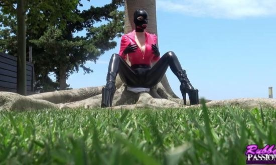 Rubber-Passion - Latex Lucy - Mediterranean Dreams Pt1 (HD/720p/363 MB)