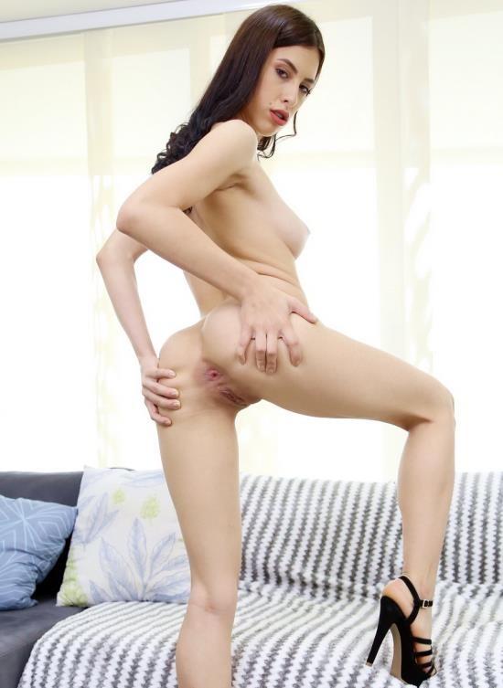 LegalPorno - Alicia Trece - Colombian Slut Alicia Trece Enjoys Threesome With 2 Huge Cocks YE023 (FullHD/4.24 GB)