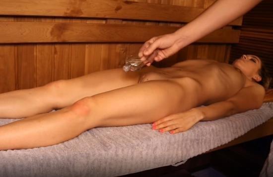 PornHub/PornHubPremium - LuxuryGirl - Oil Massage In Sauna Young Girl Twice Got Orgasm (FullHD/1080p/290 MB)