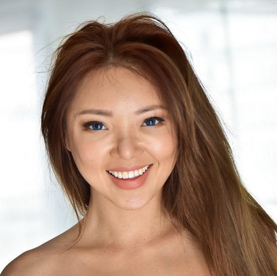 FTVMilfs - Ayumi - Flawless Fit Asian Beauty (FullHD/1080p/4.56 GB)