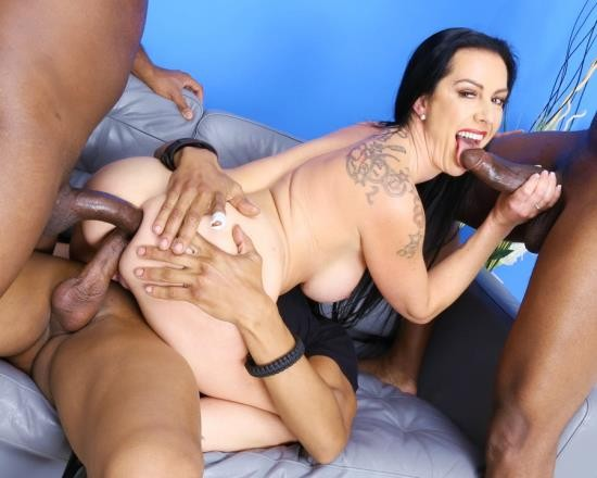 LegalPorno - Texas Patti - Texas Patti Gets Squirted With 3 BBC For Balls Deep Anal, DAP, Gapes, Swallow And Facial GIO1633 (SD/862 MB)