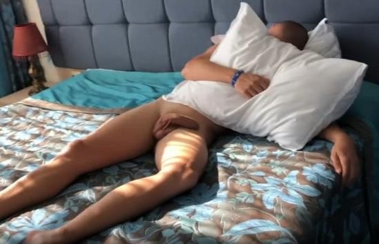 Pornhub - ArrestMe - I fucked his big cock while he sleeps in hotel room (HD/720p/154 MB)