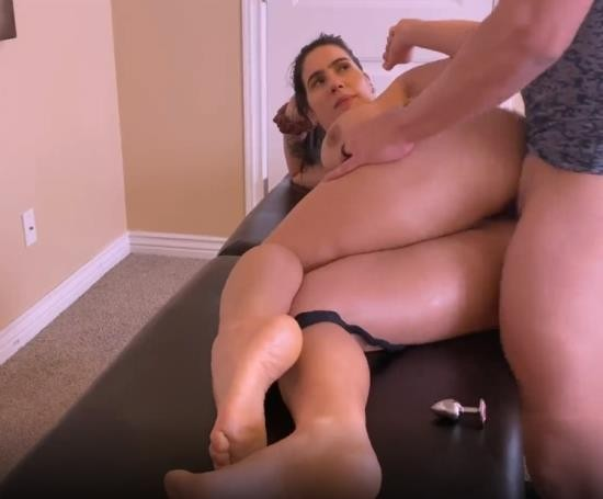 Pornhub - yinyleon - Big Tits MILF Gets a lower Body Massage Including her Wet Pussy and Big Ass (FullHD/1080p/200 MB)