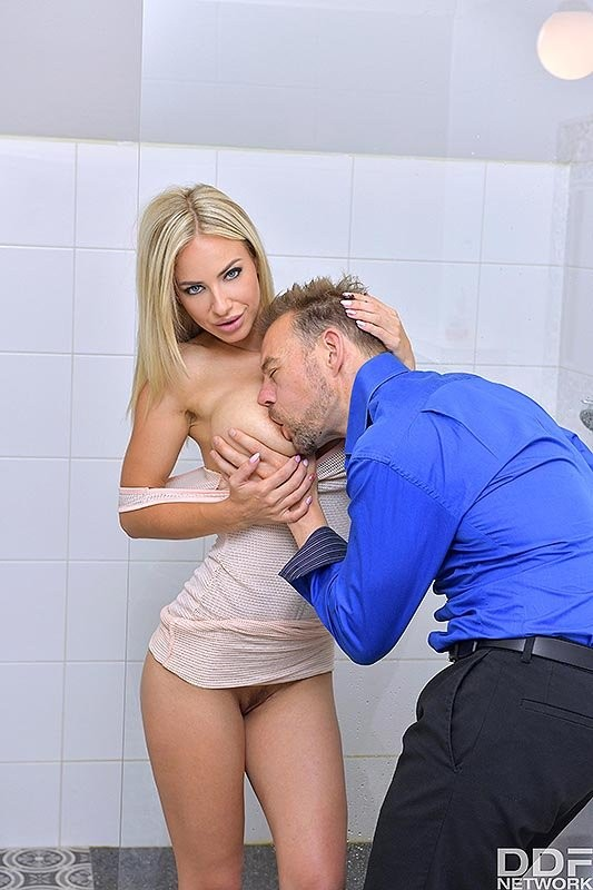 DDFBusty/DDFNetwork - Nathaly Cherie - Busty Blonde's Anal Desires (FullHD/1080p/2.97 GB)