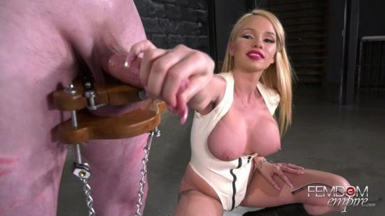 ViciousFemdomEmpire - Mistress Raven Bay - Freshly Squeezed Testicles (FullHD/1080p/1.34 GB)