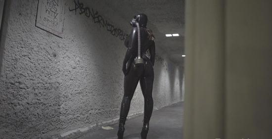 FetishKitsch - Fetish Girl - Tunnel Vision (FullHD/1080p/1.11 GB)