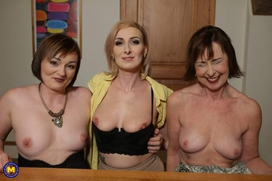 Mature.nl/Mature.eu - Danny, Jara C., Kaylea - This Bartender gets a special tip from these three naughty mature ladies (FullHD/1080p/2.25 GB)