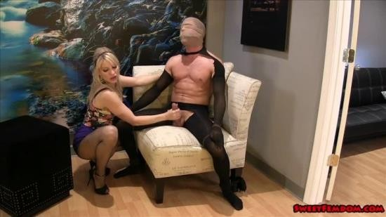 SheOwnsYourManhood - Ashley Fires - Kinky Compromise W (SD/540p/830 MB)