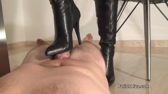 QueensOfKink - Fetish Liza - Boot Worm Milked (HD/720p/243 MB)