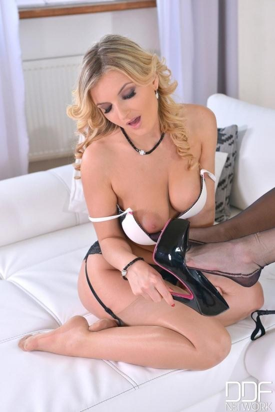 HotLegsAndFeet/DDFProd - Jemma Valentine, Tasha Holz - Trying Out Kink (FullHD/1080p/2.13 GB)