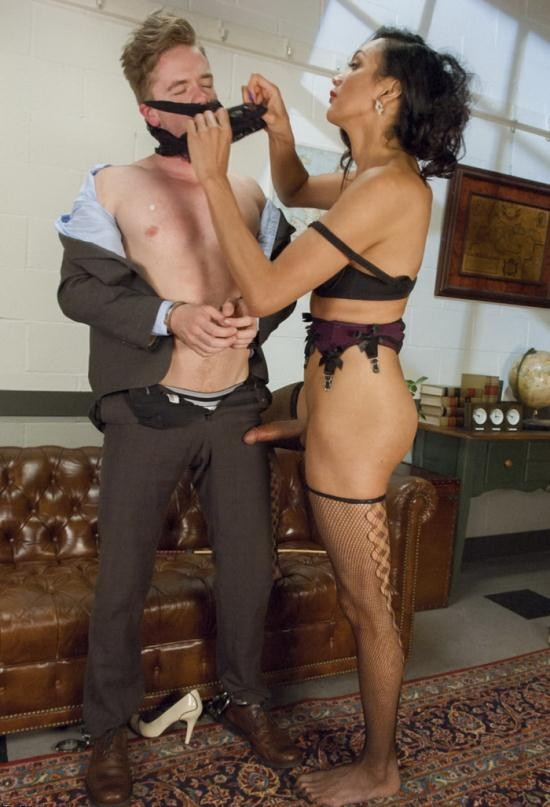 TSSeduction - Yasmin Lee, Lucas Knight - Devastatingly Gorgeous Secretary Punishes Sexist Boss Pig! (HD/720p/1.52 GB)