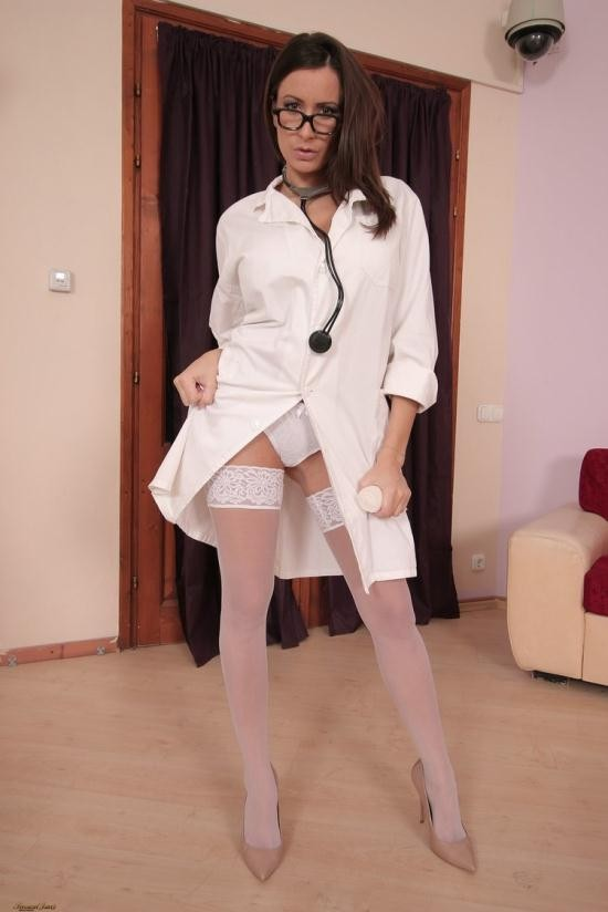 Sensualjane.me - Sensual Jane - THE NURSE (HD/720p/577 MB)