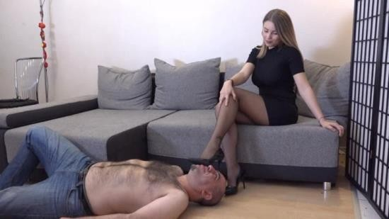 GoddessGabriellaOfficial - Gabriella - What Happens If You Dont Pay Your Rent (HD/720p/1.09 GB)