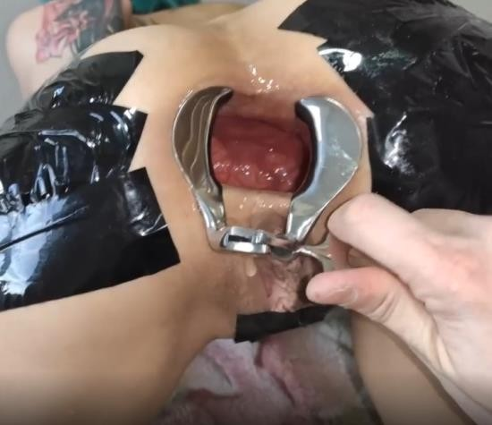 PornHub/PornHubPremium - Forest Whore - Extreme anal gape and fisting (FullHD/1080p/269 MB)