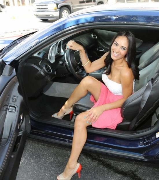 Chongas/BangBros - Jazmine - Sexy Latina Gets Fucked Hard (HD/720p/588 MB)