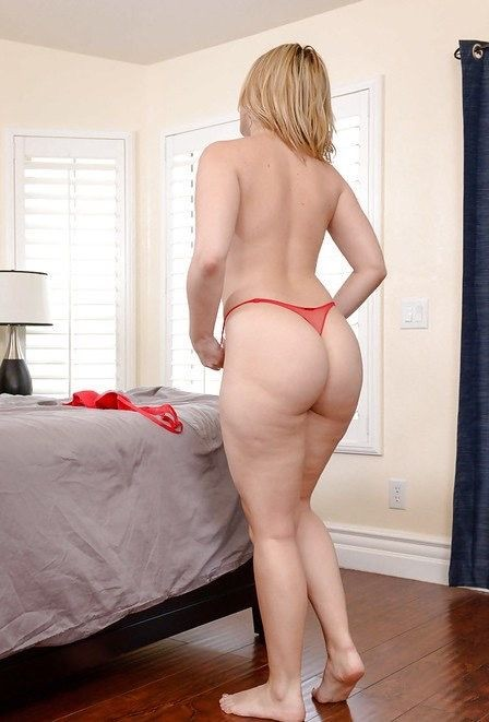 Housewife1on1/NaughtyAmerica - Alexis Texas - 21089 (HD/720p/992 MB)