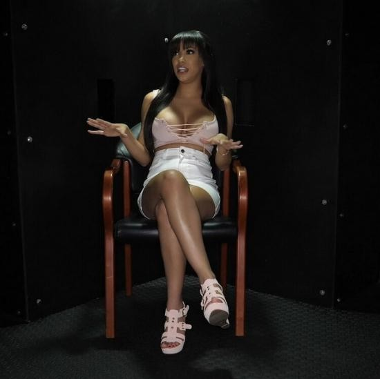 GloryHoleSecrets - Gia Milana (Shay Evans) - Gia M's First Gloryhole Video (FullHD/1080p/1.88 GB)