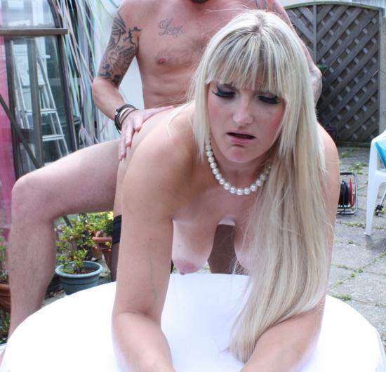Mature.nl/Mature.eu - Lucy B. (EU) (31) - British horny housewife fucking and sucking (FullHD/1080p/1.67 GB)
