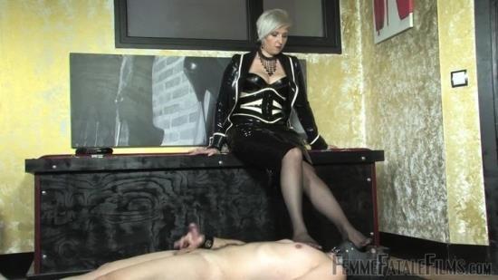 Femmefatalefilms - Mistress Johanna - Carpet Slave - Part 3 (HD/720p/71.0 MB)