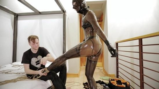 Reflectivedesire - Unknown - Rubberdoll Dance (FullHD/1080p/319 MB)