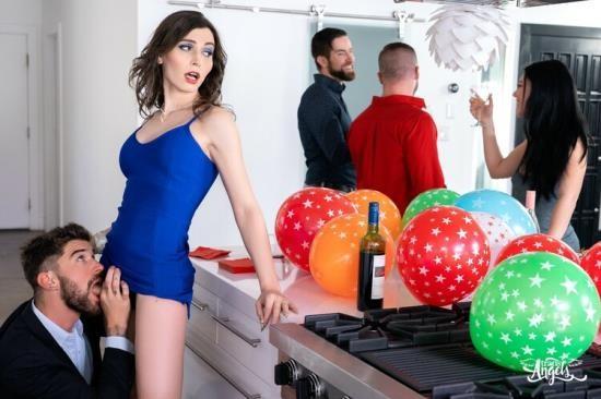 TransAngels - Korra Del Rio, Chris Damned - Icing On The Cake (FullHD/1080p/1.56 GB)